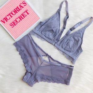 Victoria's Secret periwinkle lingerie set - MEDIUM